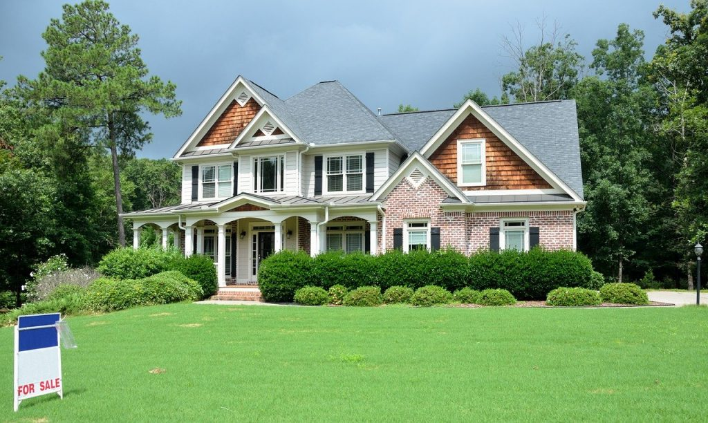 Major and Minor Repairs To Do Before Selling Your Home
